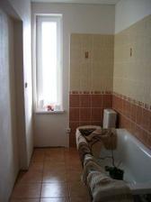 kúpelňa je skoro úplne hotová