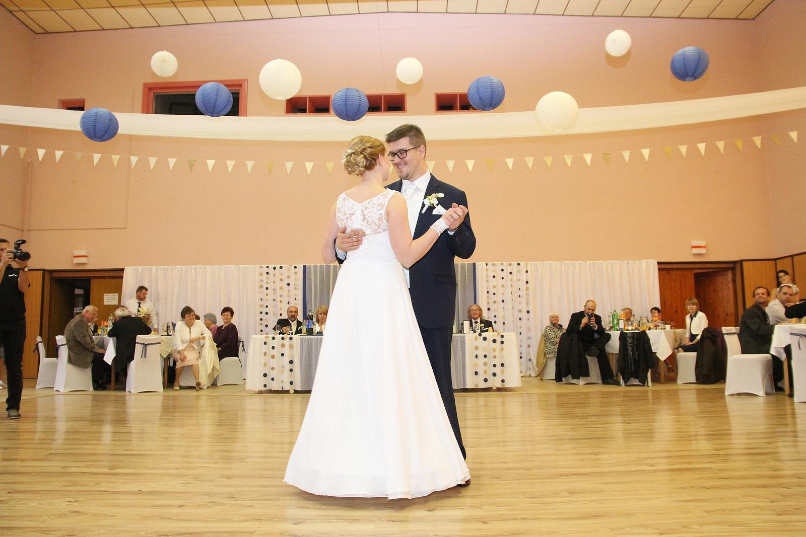 Svadobné šaty so spodničkou a šálom - Obrázok č. 3