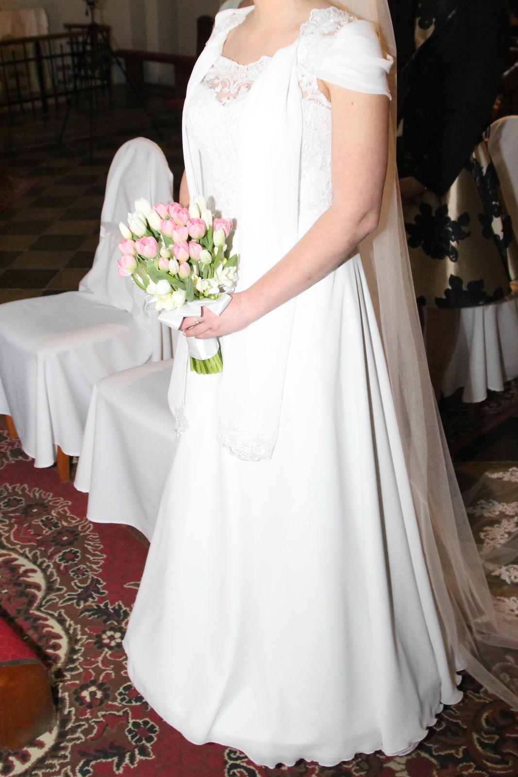 Svadobné šaty so spodničkou a šálom - Obrázok č. 1