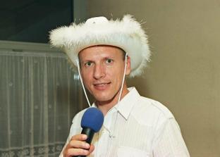 DJ - tiež sa mu páčil klobúk :-)