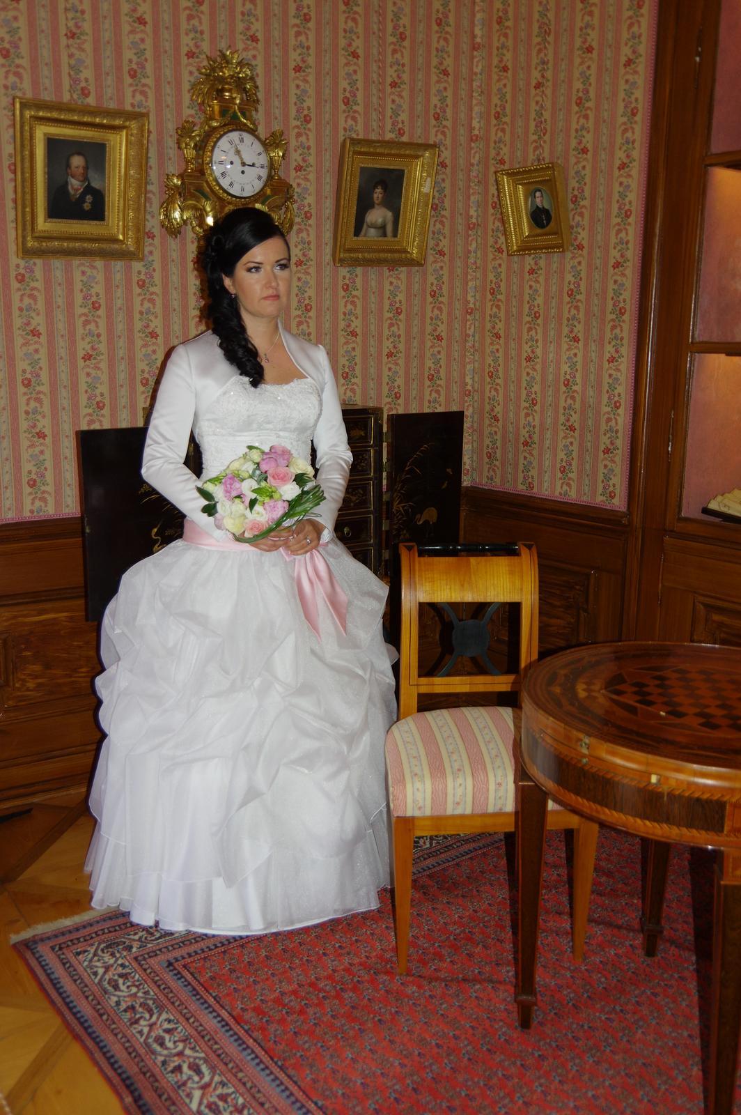 svatební šaty bílé zn. zoryana stekhnovych - Obrázek č. 1