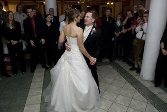 první tanec. crazy od aerosmith :)