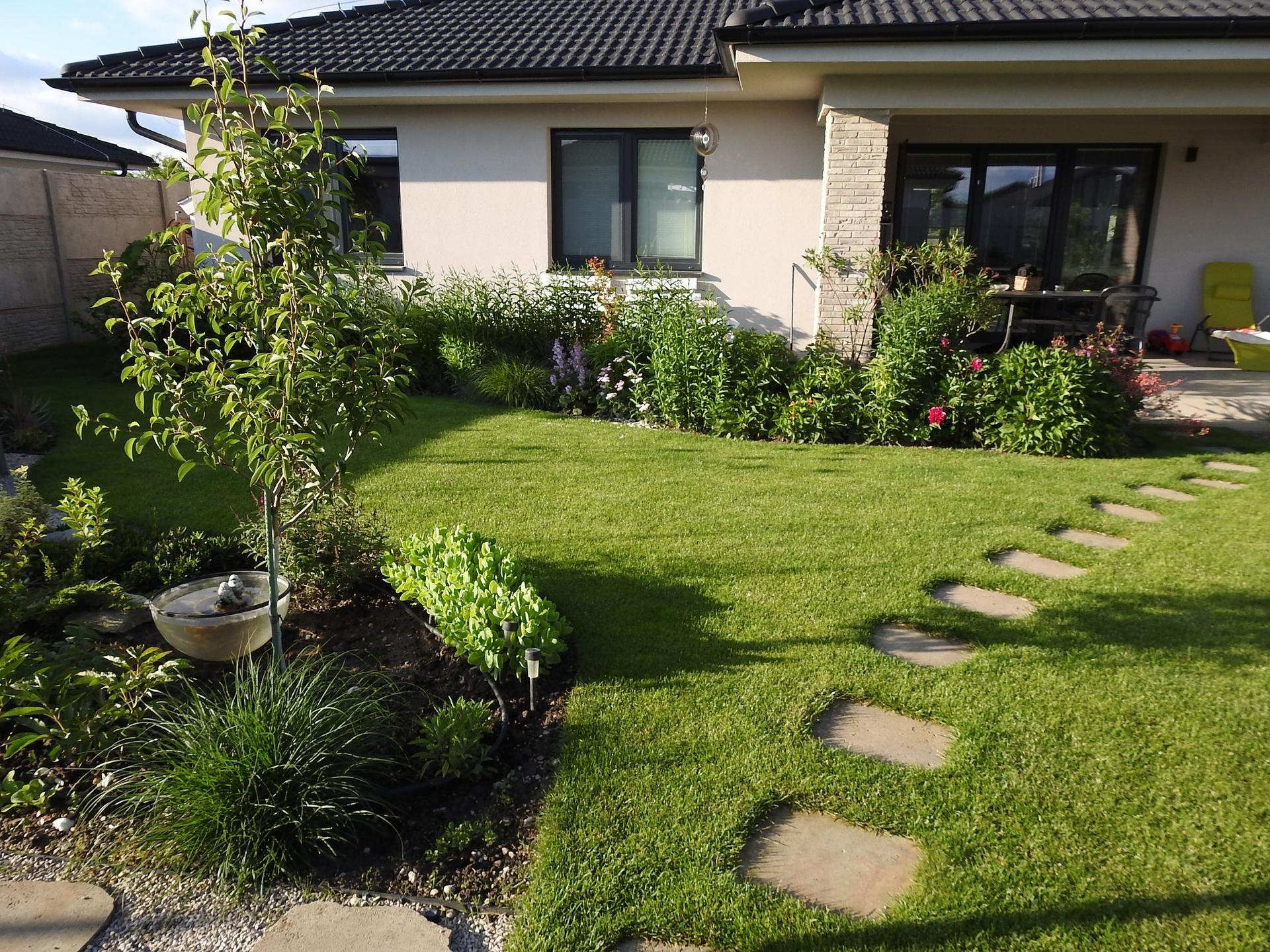 Návrh aj realizácia záhrady v mojom ponímaní - Obrázok č. 7