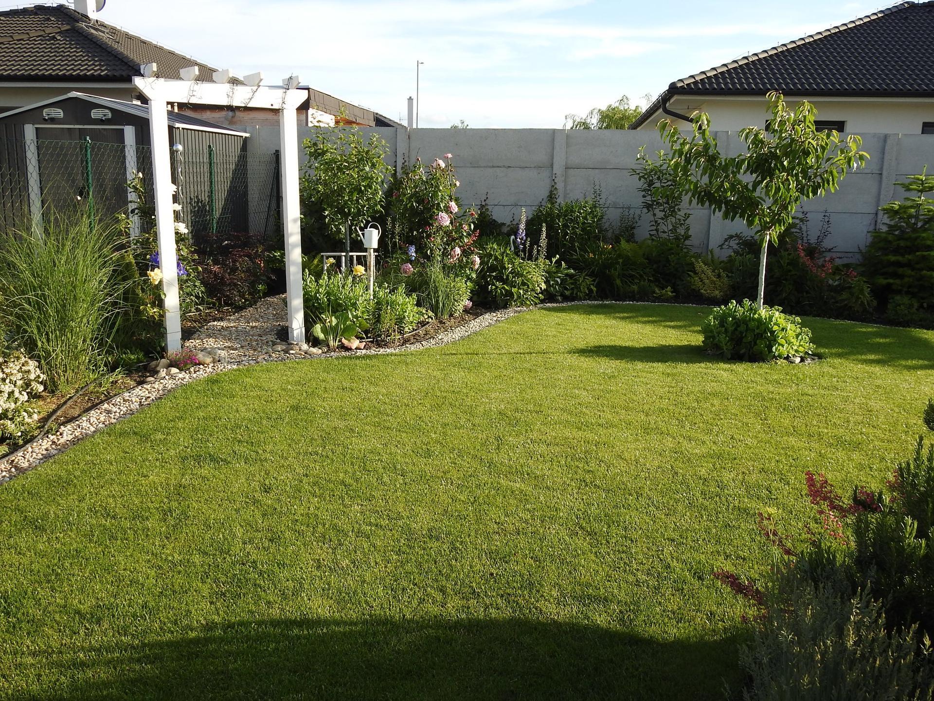 Návrh aj realizácia záhrady v mojom ponímaní - Obrázok č. 10