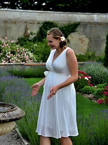 Těhotenské svatební šaty Tiffany Rose - Obrázek č. 1