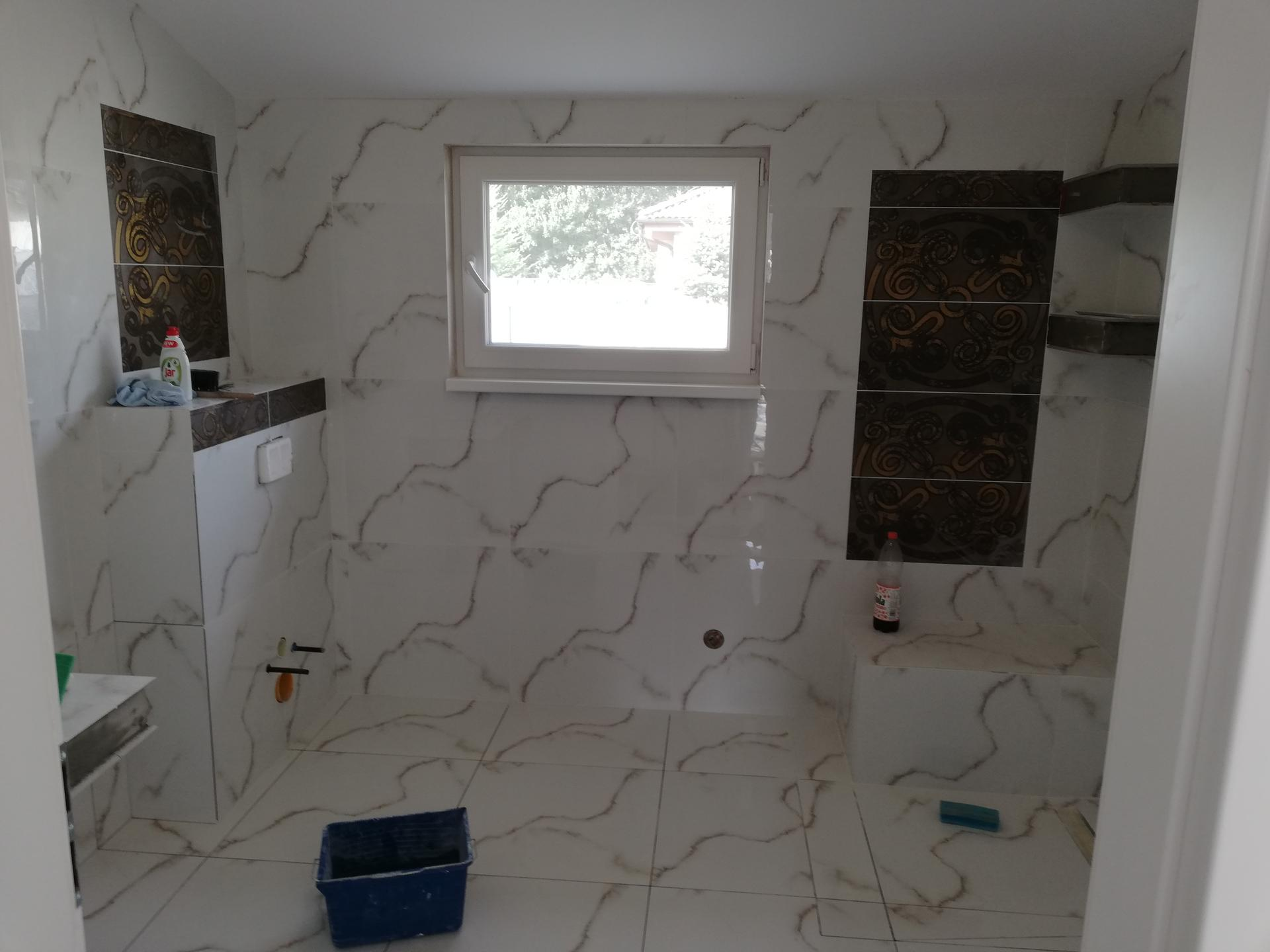 Stilo - Pomaličky dokončujú kúpeľňu