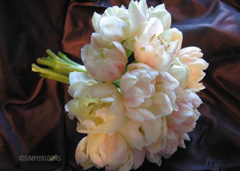 V jednoduchosti je krasa* - alebo pivonky, ci toto su vlastne tulipany :D)