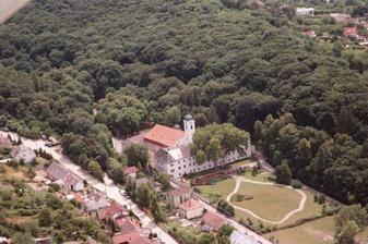 miesto konania svadby na Slovensku.. sobas, svadobna oslava, zabava aj noc v dedinke pri Bratislave