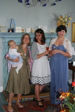 so sestrami a s neterkou Lottie