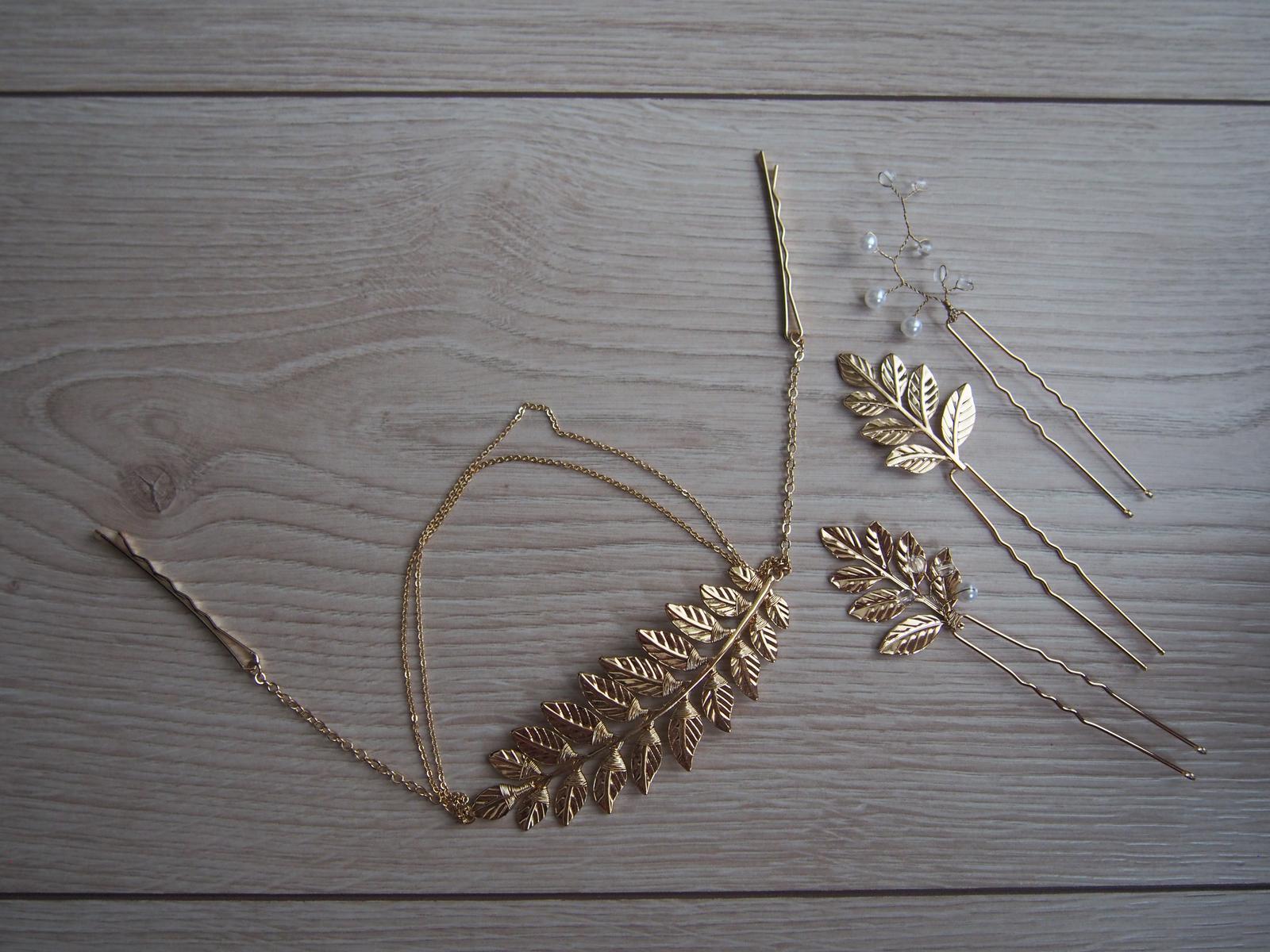 Zlaté dekorace do vlasů s motivem lístků - Obrázek č. 1