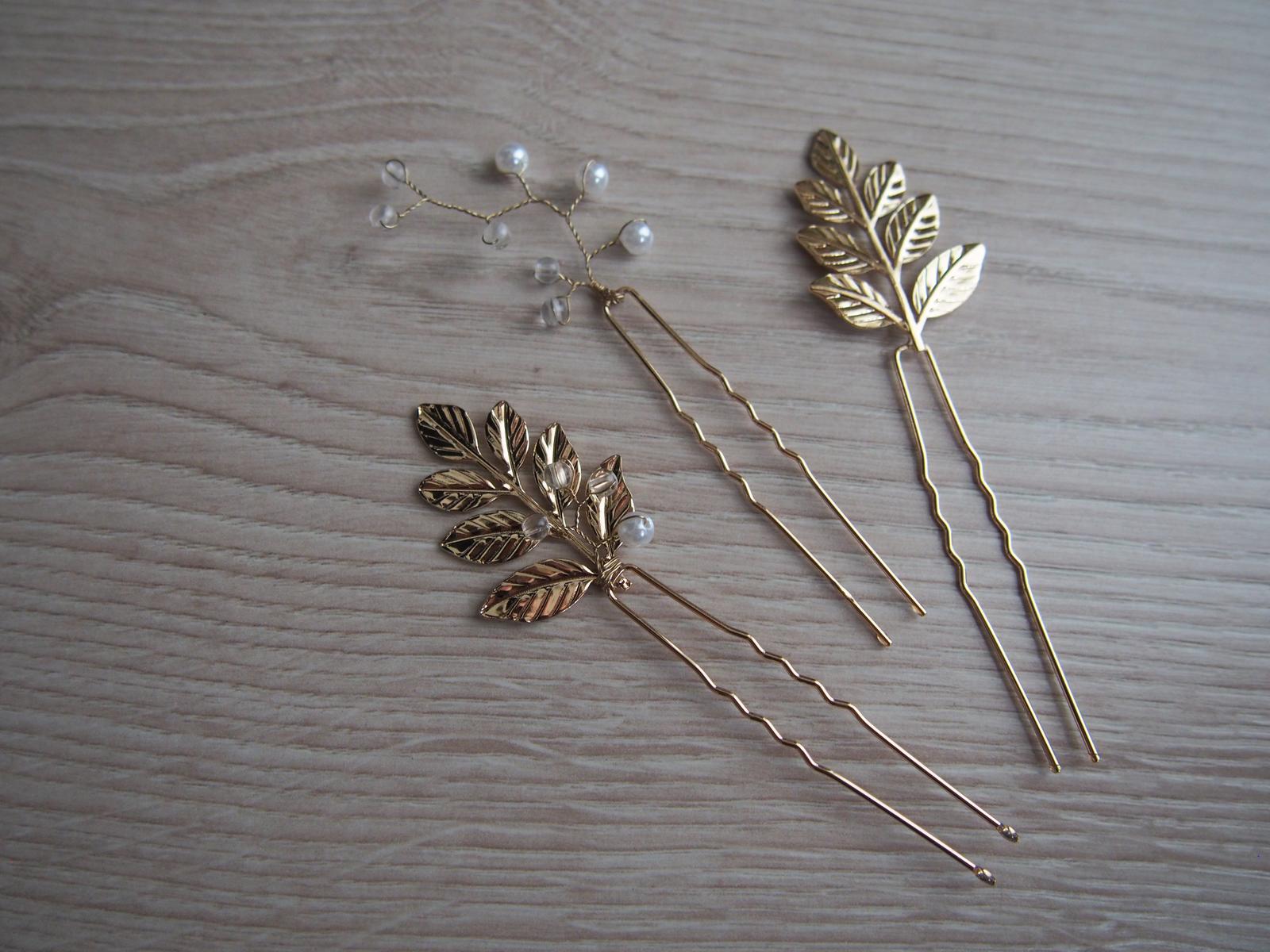 Zlaté dekorace do vlasů s motivem lístků - Obrázek č. 2