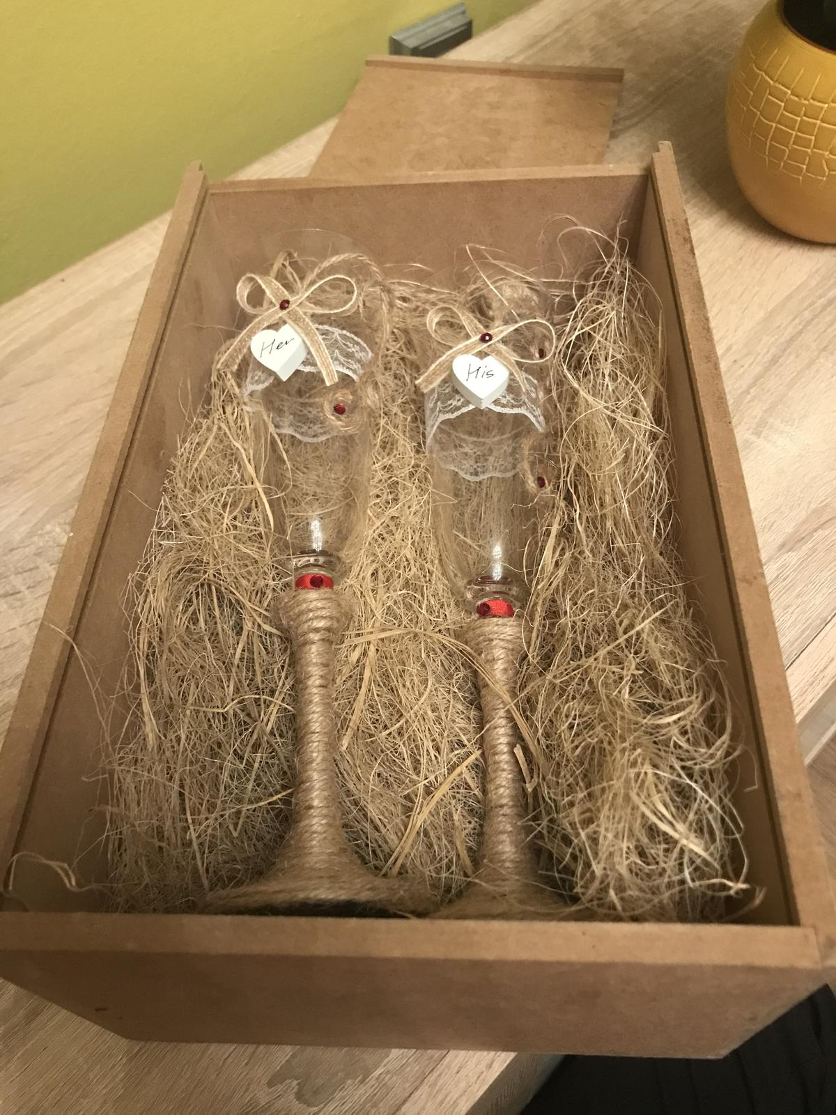 Skleničky pro novomanžele - Obrázek č. 1