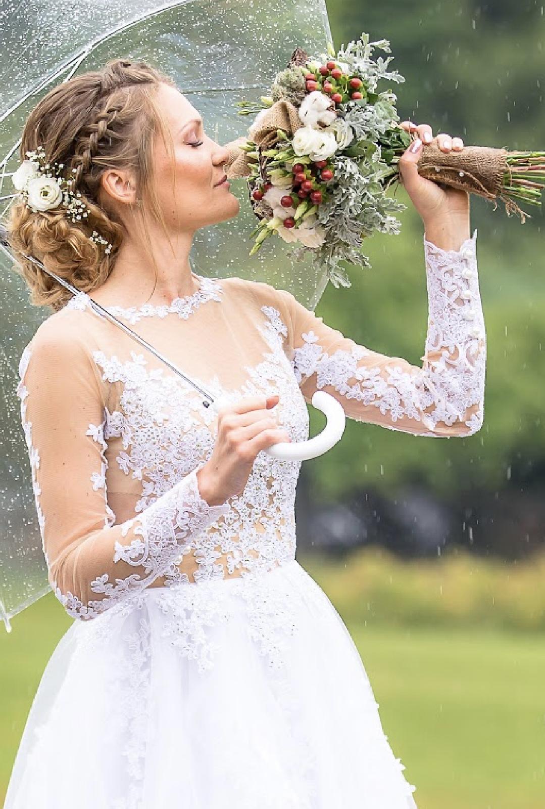 Krajkové svatební šaty, vel. 38 - Obrázek č. 1