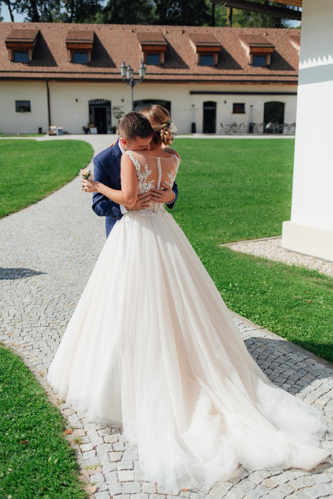 Svadobné šaty - Elody Linda - Obrázok č. 1