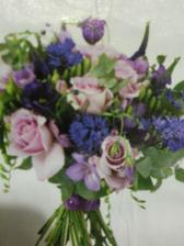 tato kytica je pekna - taka letna a hlavne fialova