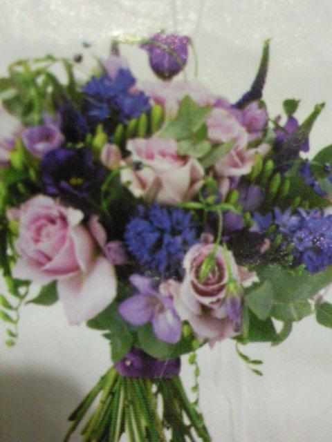 Ako si predstavujem moj svadobny den - tato kytica je pekna - taka letna a hlavne fialova