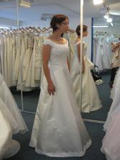 šaty studio chic - taky dlouhe :(