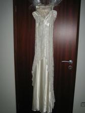 Šaty na převlečení, pokud je vůbec použiji :-)