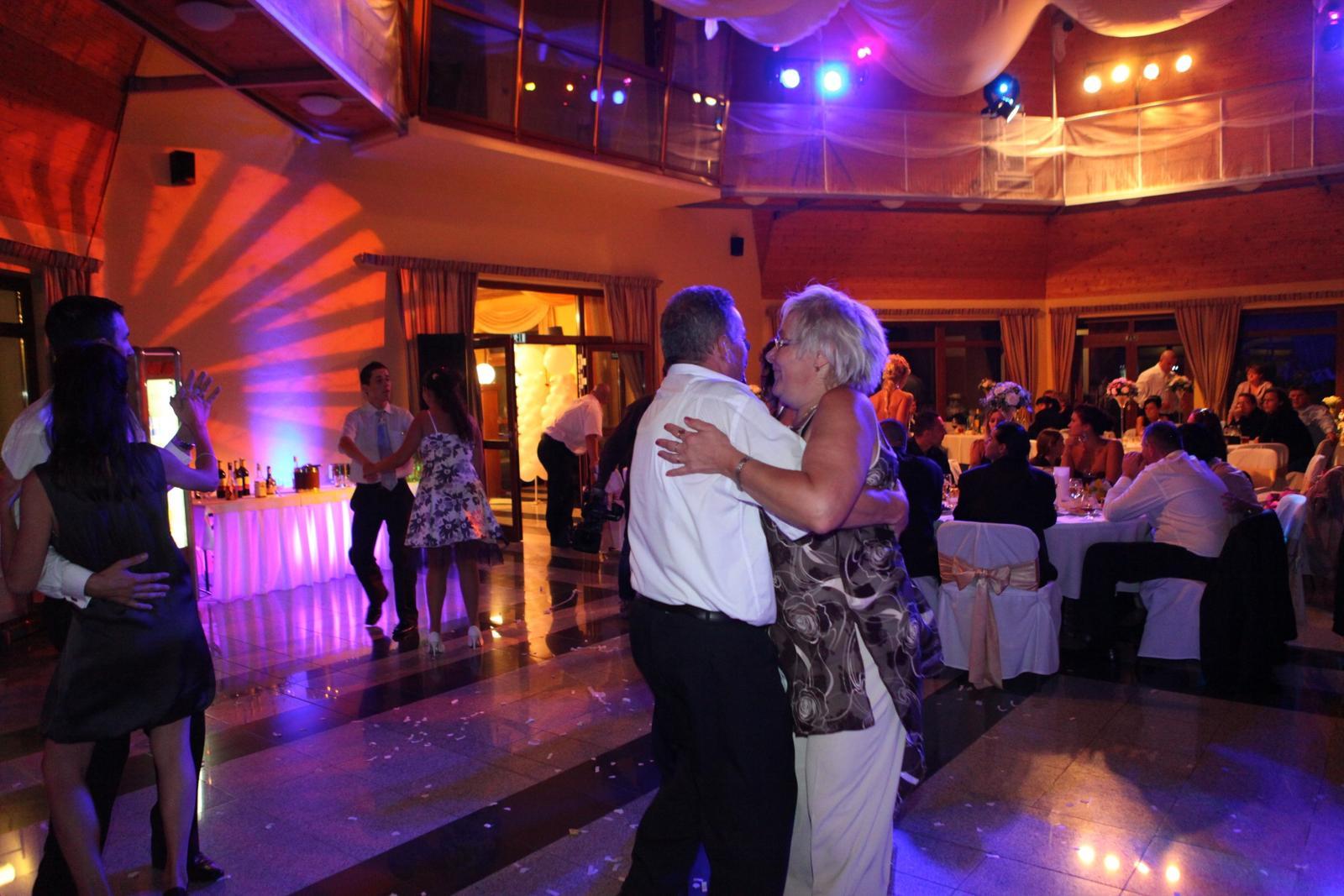 djpetersk - Svadobná zábava Hotel Hradná brána - Ozvučenie osvetlenie, koordinovanie svadobnej zábavy