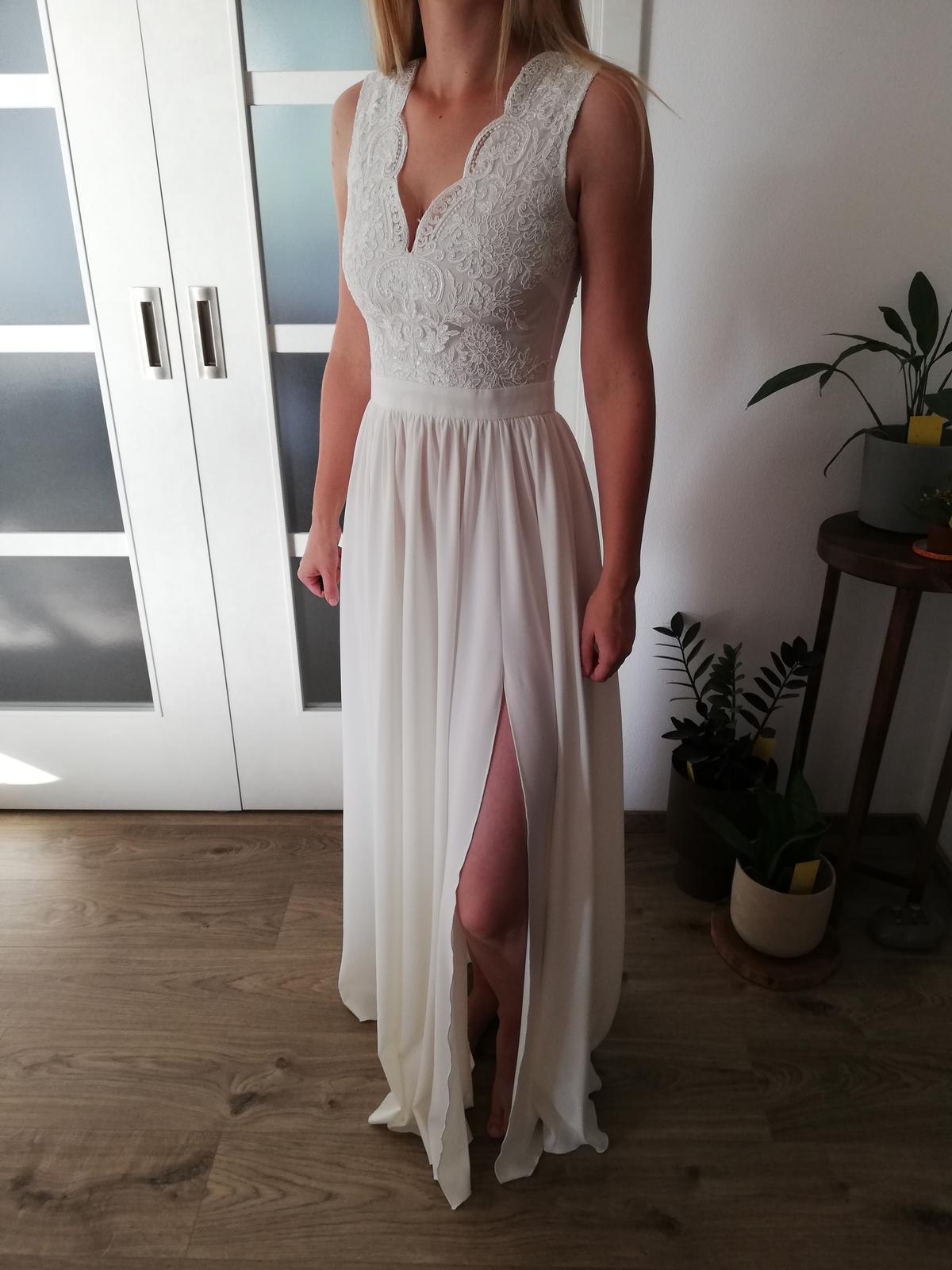Popůlnoční šaty - Obrázek č. 1