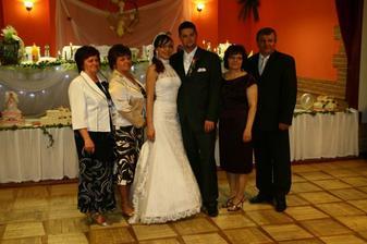 Moja mamka (vo fialovom) s jej súrodencami
