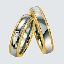 Podobné prstýnky budeme mít, akorát místo žlutého zlata bude červené zlato