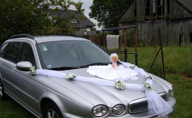 Čo by sme chceli - už len zistiť, ktoré auto bude svadobné :-)