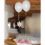 balonky budou nejspíš i uproštřed každého stolu