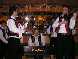 A toto su najsamlepsi muzikanti akych poznam!!!