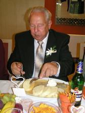 dědeček se svíčkovou