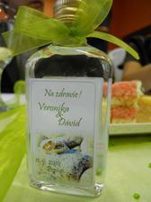 fľaštičky pre hostí