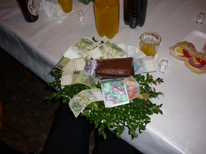 Vierka{{_AND_}}Mirko - ale riadne bohatý ženích