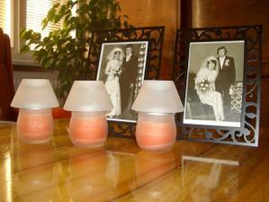 svadobne fotky rodicov na hlavny stôl (veľmi milé prekvapenie pre vašich rodičov)