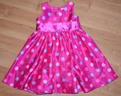 Slavnostní šaty s puntíky, 98