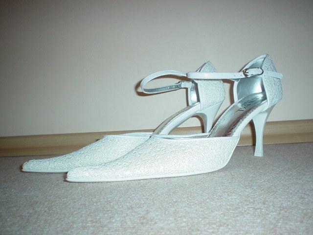 Martina Beňová a Martin Svoboda - moje svadobné topánočky