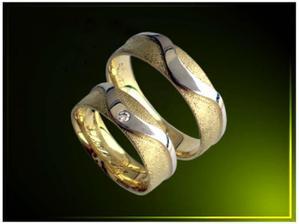 naše prstýnky, už koupené