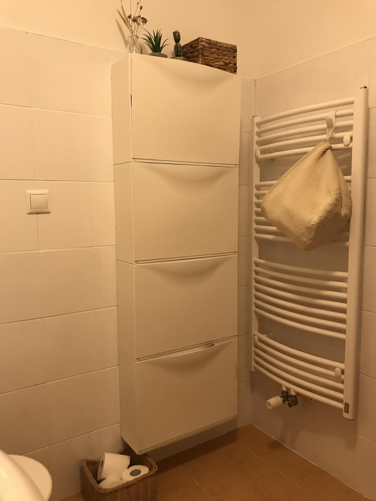 Z příšerné koupelny tvořím trochu lepší 💪 - Druhá vrstva nátěru