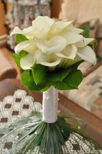 svadobna kytica mnou navrhnuta,kvetinarka nesklamala