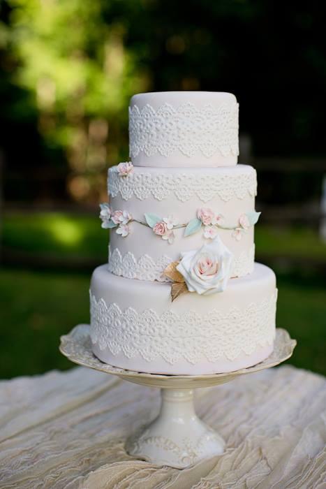 Lace Wedding Decorations & Details - Obrázok č. 93