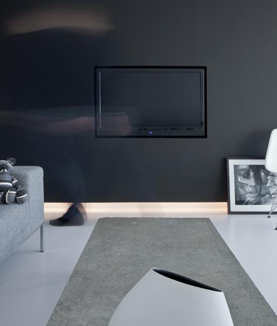 Obývací pokoj se čtecím a kinokoutkem - nenápadná tv
