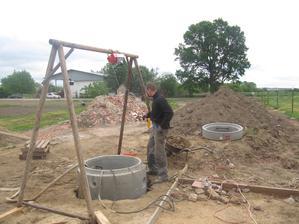 takto sme ručne kopali studňu