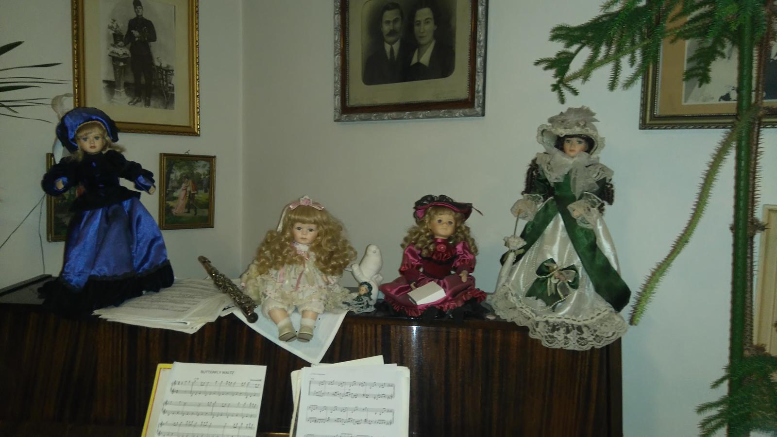 """Výzdoba v štýle a la """"babička"""" alebo čo mám naskreckovane :-D - Možno niektorá bábiky pôjde k výzdobe ;-)"""