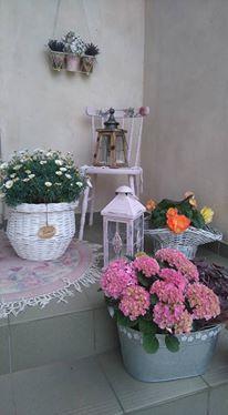 """Výzdoba v štýle a la """"babička"""" alebo čo mám naskreckovane :-D - Jar pred dverami, tak snad sa kvetinkam bude u nas darit a poziciam si ich do saly ako vyzdobu:D"""