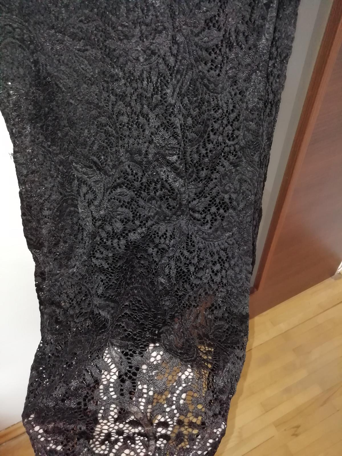 Čierne dlhé čipkovane šaty  - Obrázok č. 4