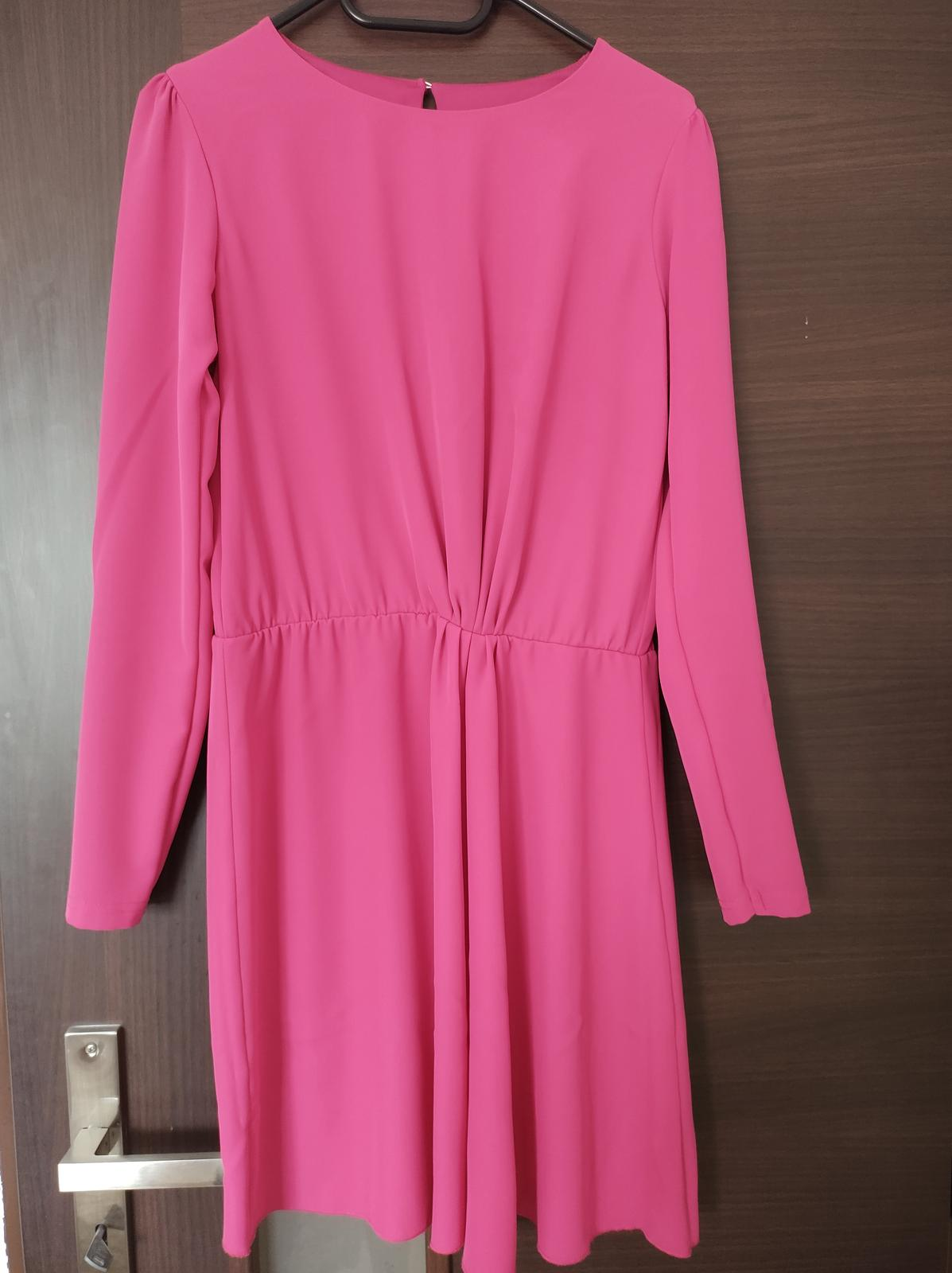 cyklamenove šaty - Obrázok č. 1