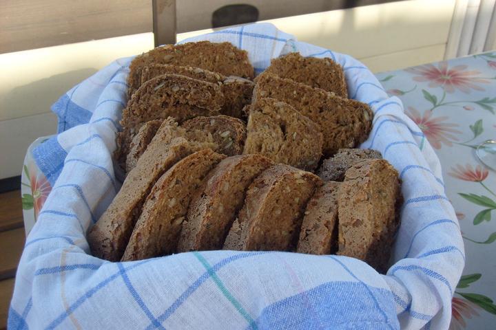 Hokus pokus v kuchyni - celozrnný chléb z domácí pekárny
