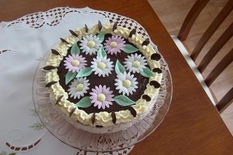 Krémový dort mamce k narozeninám