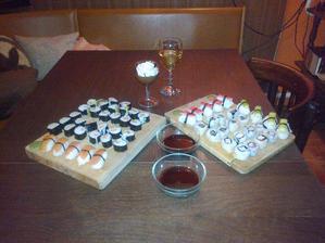 Moje první domácí sushi a valentýnská čokoládová pěna se šlehačkou :-)