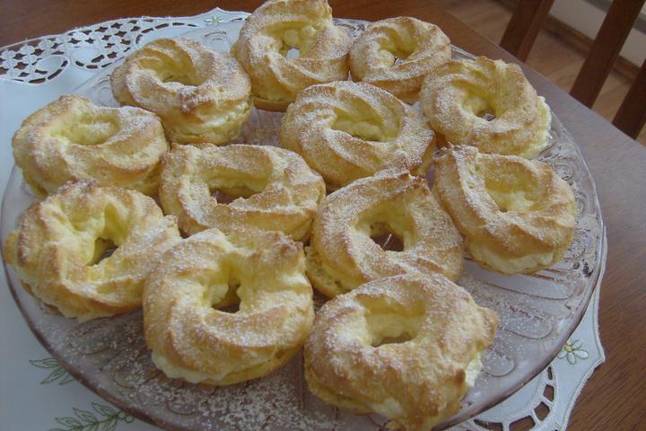 Hokus pokus v kuchyni - Věnečky z odpalovaného těsta s vanilkovým krémem