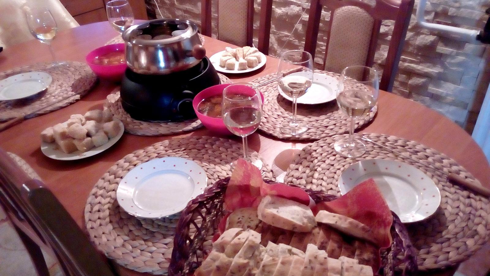Hokus pokus v kuchyni - Venku už je zima, takže začíná naše fondue období :-)